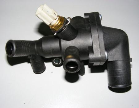 Корпус термостата 2.2 2011- 155 л.с. на Форд Транзит - BK3Q8A586AB