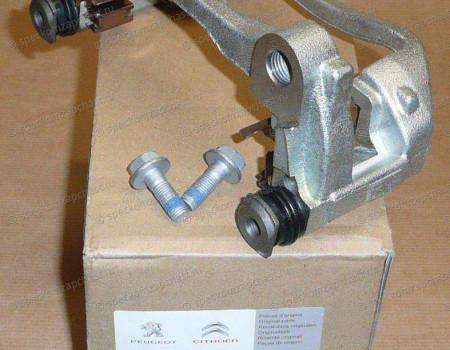 Скоба суппорта тормозного заднего левая на Пежо Боксер - 4404C6