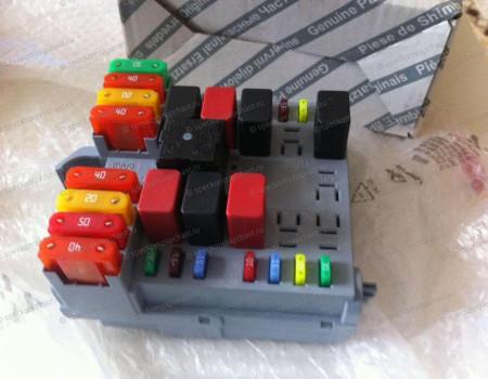 Блок предохранителей (под капотом) (без конд) на Пежо Боксер - 6500CN