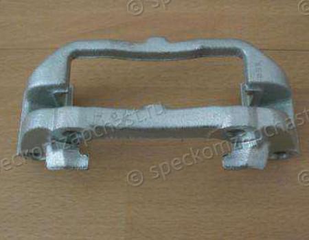 Скоба суппорта томозного заднего лев/прав (272 мм) на Мерседес Спринтер - A0004211706
