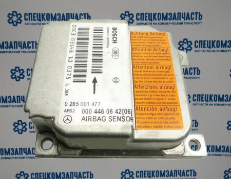 Блок управления подушками безопасности на Мерседес Спринтер - A0004460642