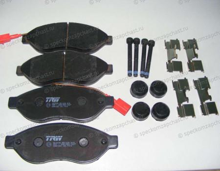 Колодки тормозные передние R15 на Пежо Боксер - 425462