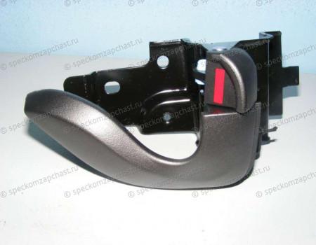 Ручка двери внутренняя правая на Hyundai HD - 823205H001