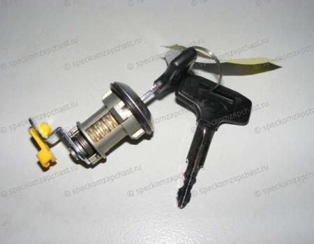 Личинка замка двери правая (с ключом) на Hyundai HD - 819205HA00