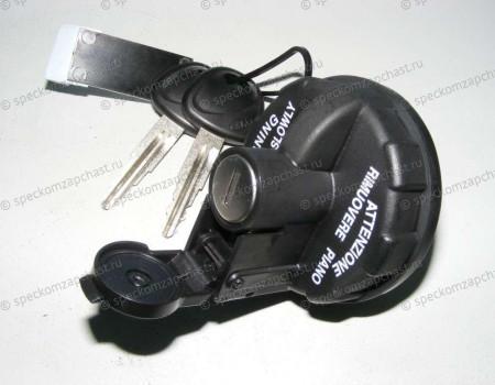 Крышка бака топливного с ключом на Киа Бонго - 310104EA10