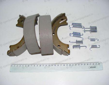 Колодки тормозные задние ручного тормоза W906 (5т) на Мерседес Спринтер - A9064200420