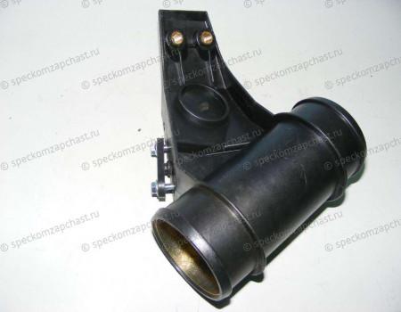 Кронштейн патрубока интеркулера (верхний впускной) W901-903 (2часть) на Мерседес Спринтер - 0240136