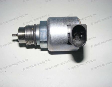 Регулятор давления топлива на рампе ОМ651 на Мерседес Спринтер - 9307522A