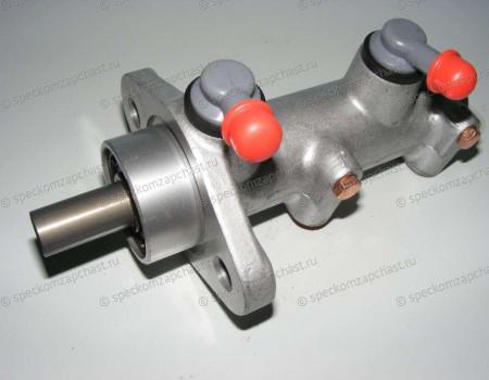 Цилиндр тормозной главный (шток) (D4DD; D4GA) 09- на Hyundai HD - 586205L400