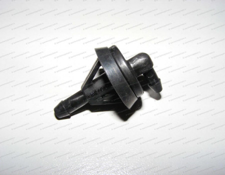 Соединитель омывателя лобового стекла на Hyundai HD - 983505H310