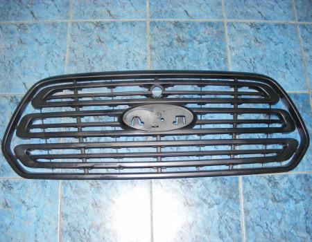 Решетка радиатора на Форд Транзит - STFDR8093B0